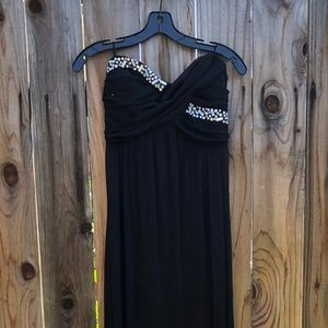La Scala Jeweled Stapless Bralck Gown Size Large